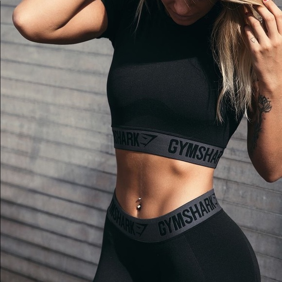 14aeee4df417b2 Gymshark black flex crop top